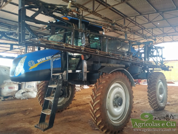 Pulverizador Autopropelido New Holland SP 3500 4x4 (30 Metros de Barras)
