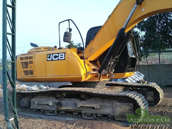 Escavadeira Hidráulica JCB JS 220 LC (Toda Revisada - 1.500 Horas)