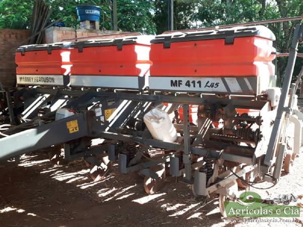 Plantadeira Massey Ferguson MF 411 (9 LInhas de 50 - Sulcador Novos!)