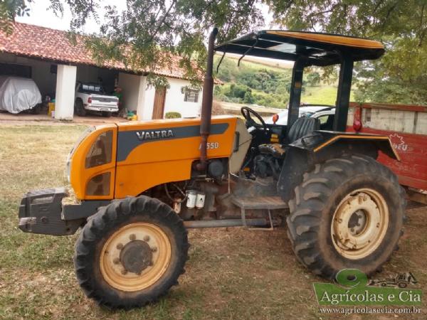 Trator Valtra A 550 4x4 (Todo Original - Único Dono!)