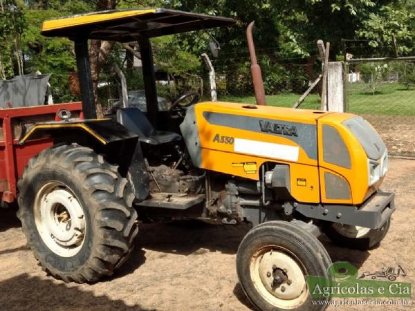 Trator Valtra A 550 4x2 (Único Dono - 1.800 Horas!)